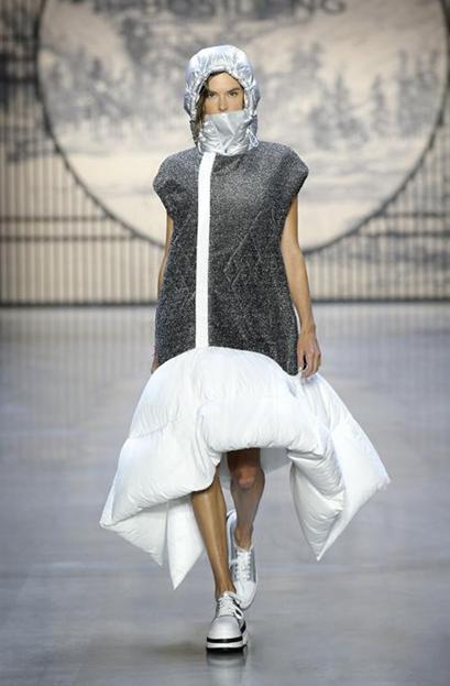 专注羽绒服42年,国际众星助阵波司登纽约时装周2.png
