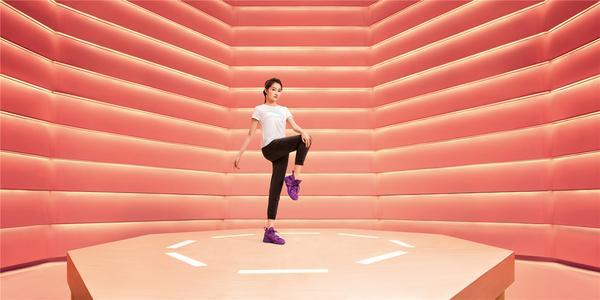 安踏漫威联名女生限定款上线 做自己的SHERO0.jpg