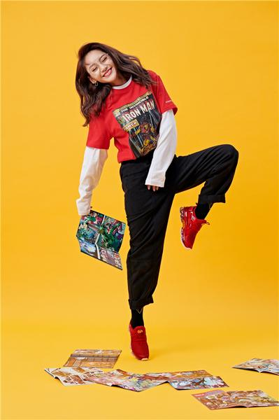 安踏漫威联名女生限定款上线 做自己的SHERO4.jpg