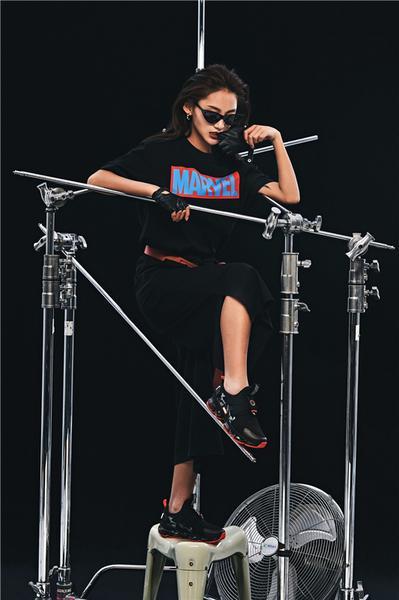 安踏漫威联名女生限定款上线 做自己的SHERO5.jpg