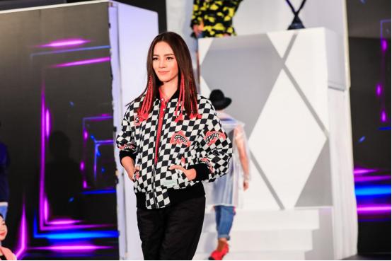 HLA海澜之家品牌矩阵强势入驻泰国,半个娱乐圈都来了!5.png