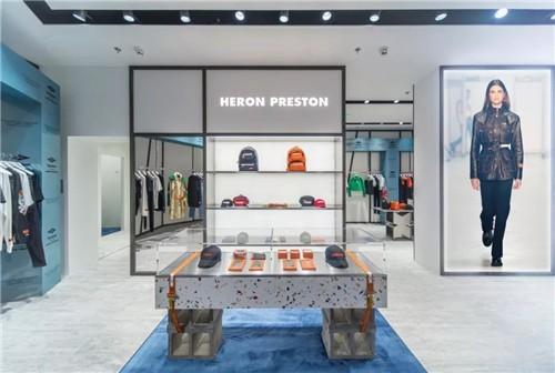 Heron Preston潮牌上海首家门店:完美衬托品牌的设计美学2.jpg