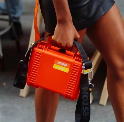 Heron Preston潮牌上海首家门店:完美衬托品牌的设计美学4.jpg