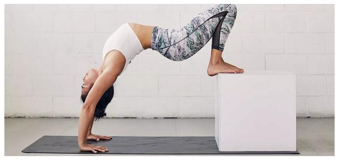 """瑜伽服界的""""劳斯莱斯"""":为什么可以卖那么贵?3.png"""